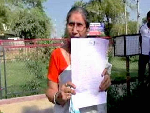 Video : PM Modi's Estranged Wife Jashodaben files RTI on Her Security