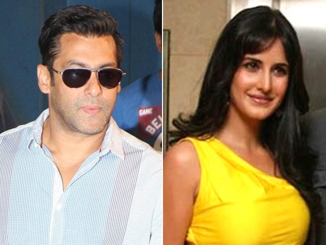 Video : Salman Calls 'Katrina Kaif...Kapoor' on Stage