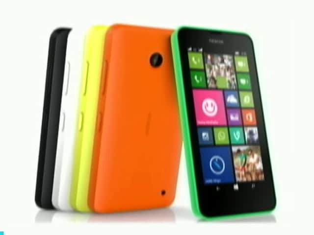 Video : Review of the First Lumia Sans Nokia Branding