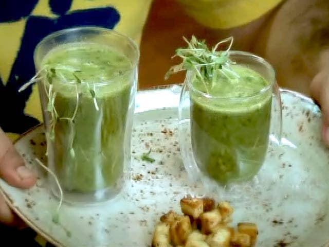 Video : Spiced Spinach Soup with Cottage Cheese Croutons