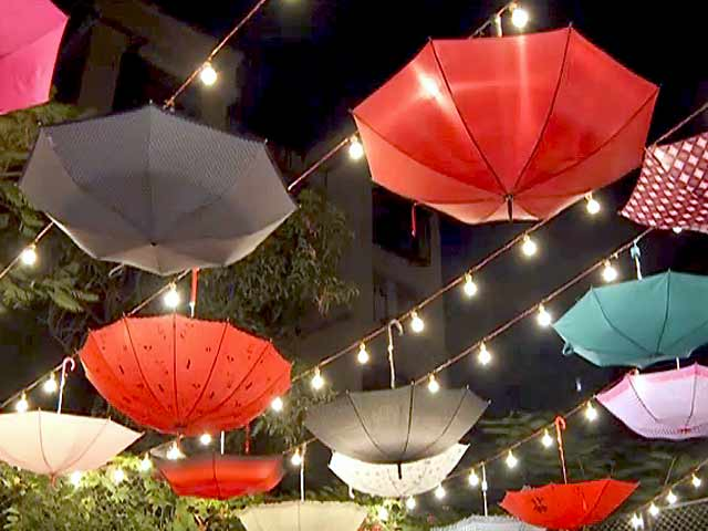 Video : Happy December: Decorating Your House for Christmas and New Year