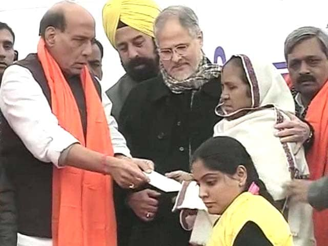 Video : Ahead of Delhi Polls, Rajnath Singh Hands Enhanced 1984 Riots Compensations