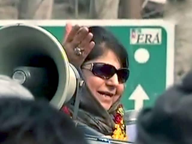 Video : इंडिया 9 बजे : कश्मीर में किसकी बनेगी सरकार?