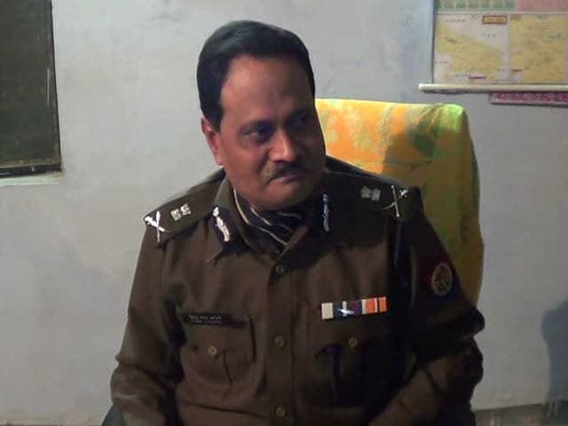 Video : Badaun Rape Probe: Senior Police Officer Lets Slip Survivor's Name, Address