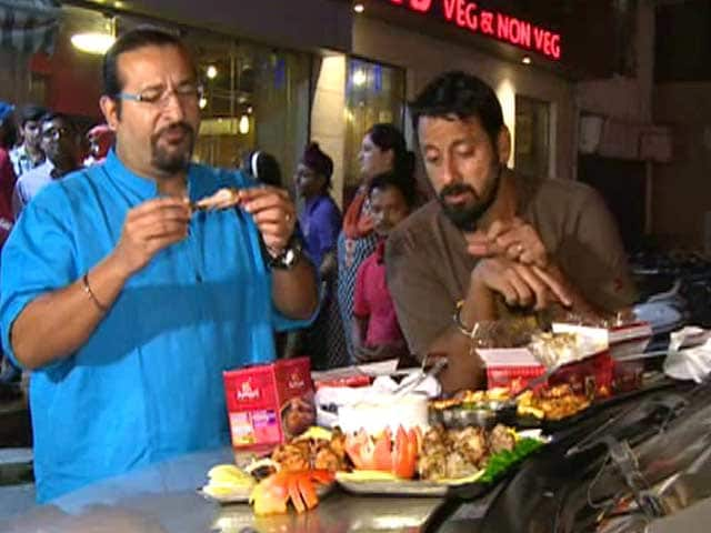 Video : Rocky & Mayur Taste Best Spicy Foods of India