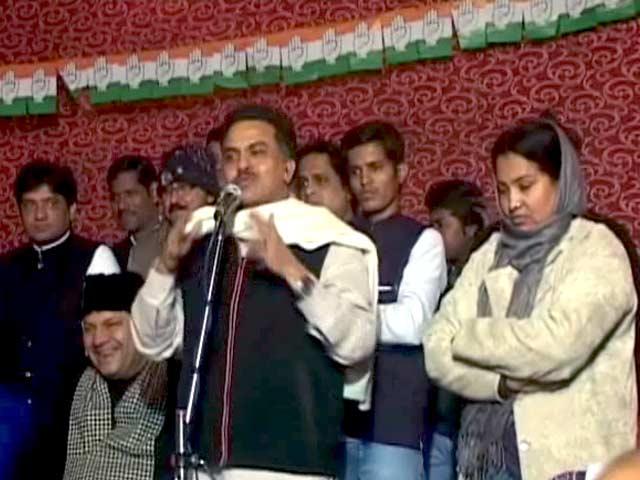 Video : चुनावी रैली : संजय निरुपम ने किए पीएम मोदी पर निजी हमले