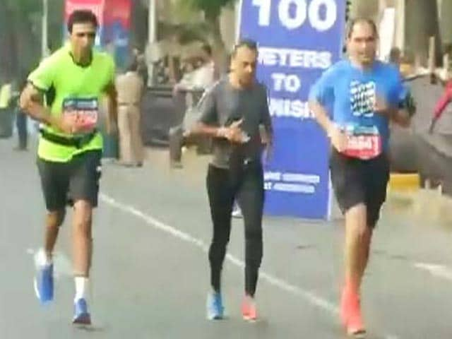 Video : Mumbai Marathon: Residents Run For Charity. Dia Mirza, Anil Ambani Among Participants
