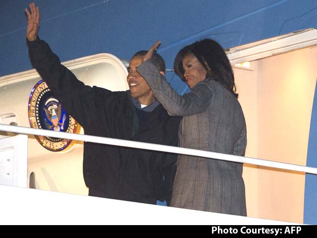 Video : US President Barack Obama Leaves for India with Wife Michelle