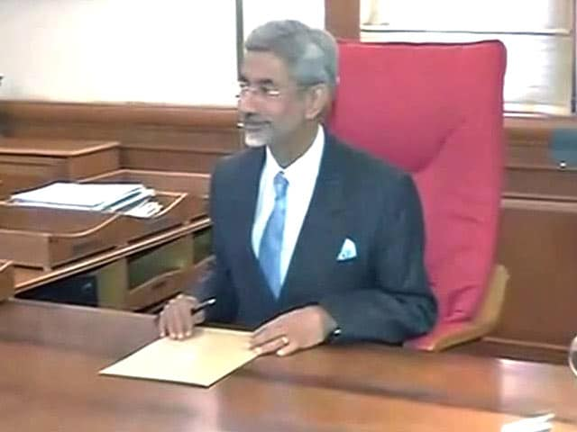 Video : S Jaishankar, Former Envoy to US, Takes Charge as the New Foreign Secretary