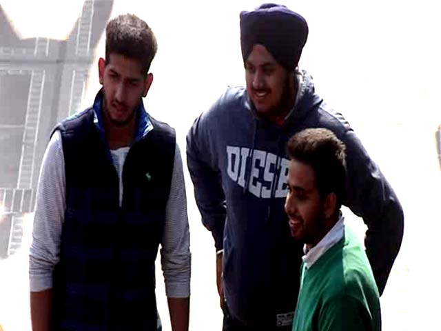 Video : Watch How Jalandhar Reacts to VIP Culture