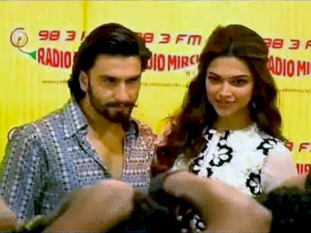 Video : All Work and No Valentine's Day for Bollywood