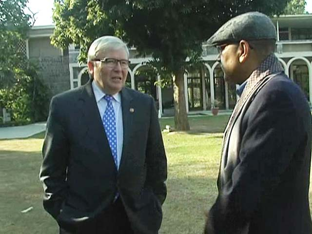 Video : Walk The Talk With Kevin Rudd