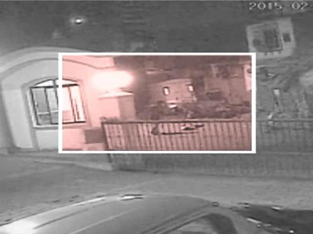 Video : कैमरे में कैद : मुंबई में युवक की पीट-पीटकर हत्या