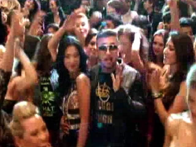 Video : Honey Singh's Back with Birthday Bash