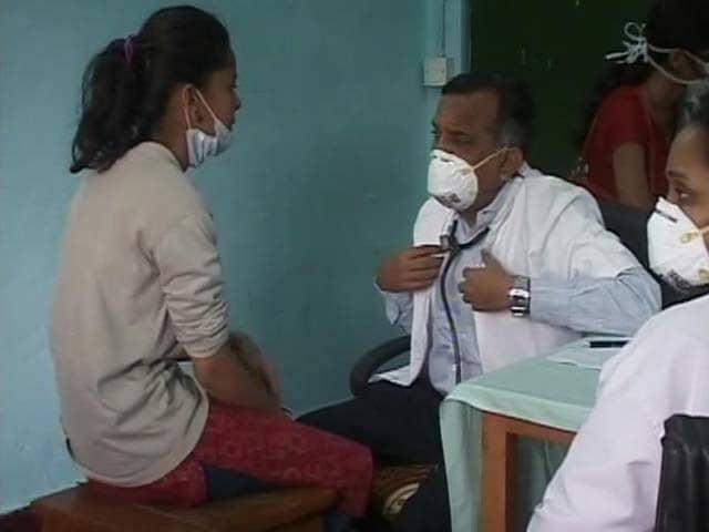 Video : Scenes From a Swine Flu Battle Zone. Doctors at Frontline