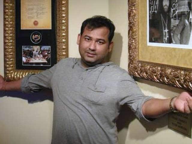 Videos : एयरपोर्ट पर गिरफ्तार किए गए उद्योगपति शिवाजी पांजा