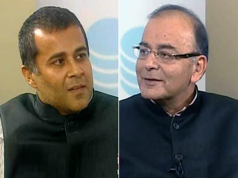 Video : Chetan Bhagat Quizzes Arun Jaitley on Budget 2015