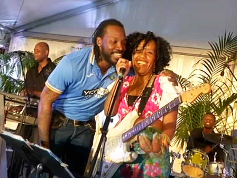 Video : Caribbean Calypso in Perth as Chris Gayle Sings to West Indian Fans