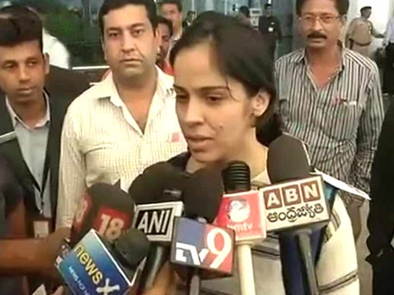 Video : Saina Nehwal Returns Home after All England Championship Finals