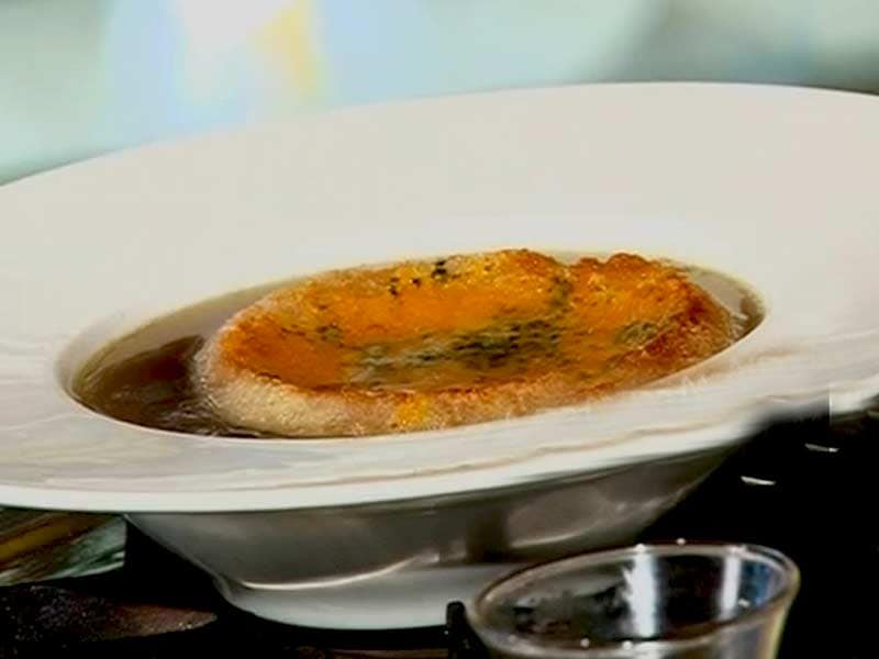 Video : World Kitchen: French Onion Soup