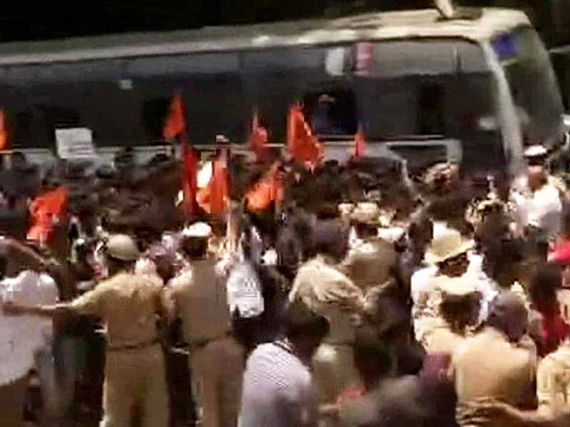 Video : Protests Turn Violent in Karnataka Over IAS Officer's Death; Rajnath Says Open to CBI Probe