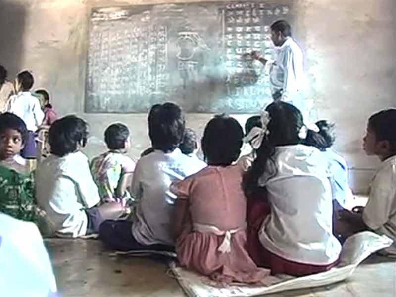 Video : In Jharkhand's Naxal Hotbed, a School of Hope and Worries