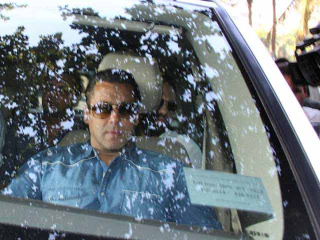 Video : Salman Khan Tells Mumbai Court in Hit-and-Run Case: I Wasn't Driving, Wasn't Drunk