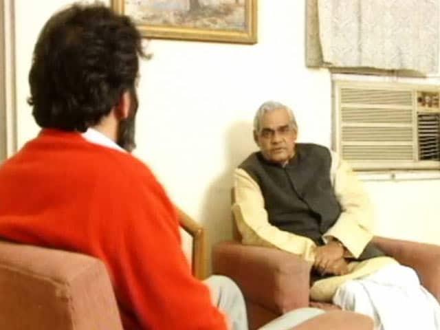 Video : What Atal Bihari Vajpayee Said to NDTV About Babri Masjid Demolition (Aired: 1992)