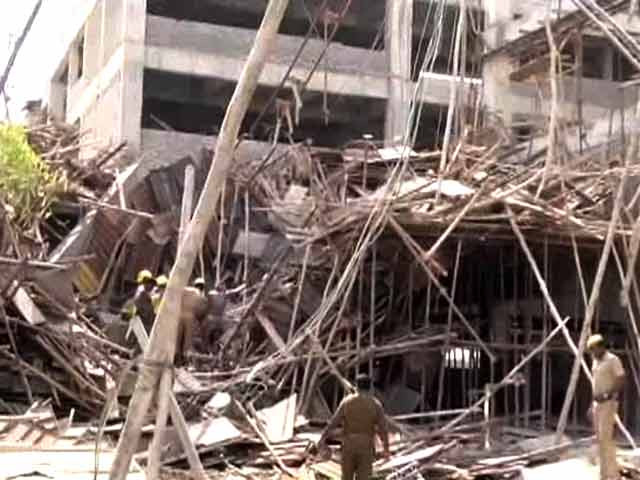 Video : 5 Dead, Several Injured as A Portion of an Under Construction Building Collapses in Tamil Nadu