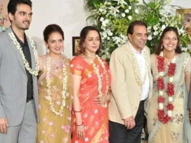 Video : Hema Malini, Dharmendra Are Glamourous Grandparents-To-Be