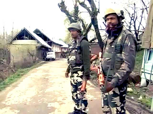 Video : 1 Police Officer Killed, Civilian Injured in Encounter in Jammu and Kashmir