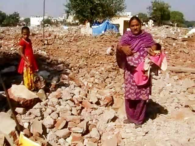 Video : In Vadodara, Slums Are Gone, But No New Homes for Displaced People