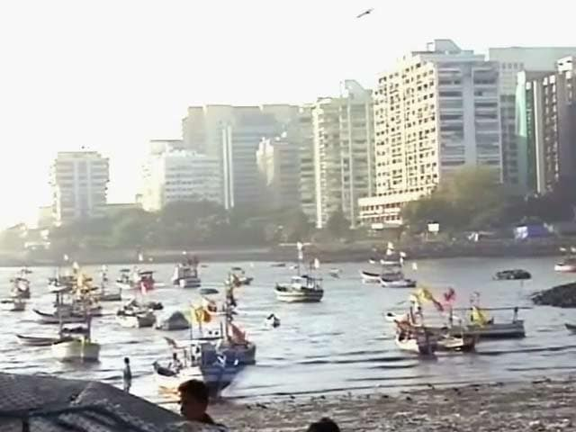 Video : खाड़ी से उठा धूल का गुबार दिल्ली-मुंबई तक
