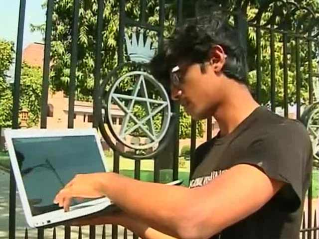Video : St Stephen's Student Takes Principal to Court Over E-Zine Row