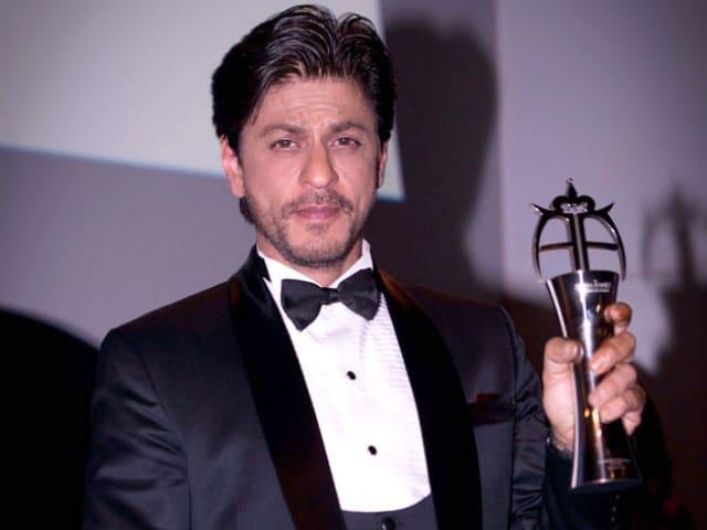 Shah Rukh Bags Award, Meets Zayn Malik in London