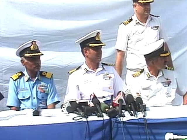 Video : 232 Packets of Drugs Seized From Pakistan Boat Intercepted Off Porbandar: Coast Guard