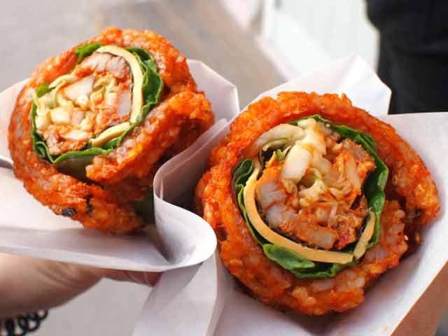 Video : Bizarre Foods: South Korea - Where Streets Serve You Worms