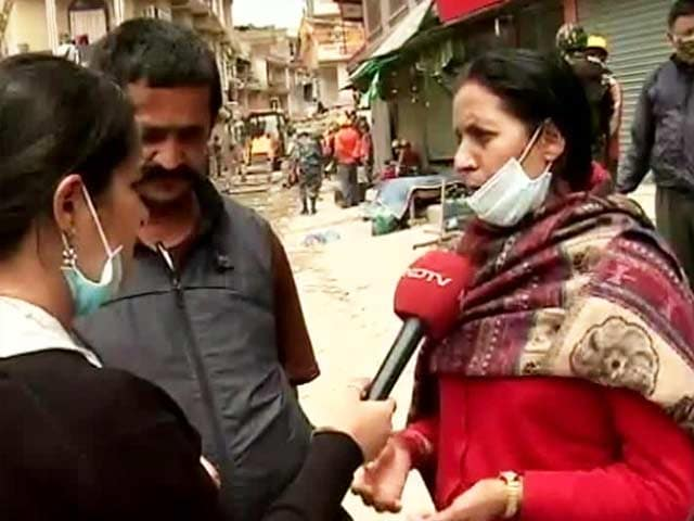 Video : After Being Trapped Under Debris for 50 Hours, Woman Pulled Out Alive in Quake-Hit Nepal