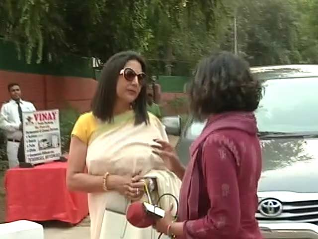 Video : BJP's <i>Kamal Sakhis</i>, Wives of Law-makers, Get Pep Talk From Amit Shah