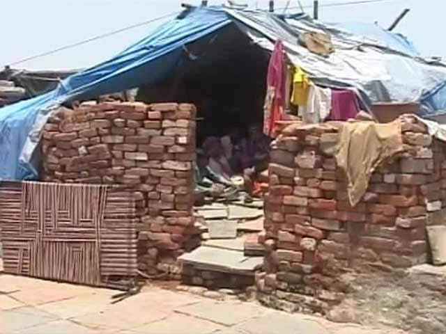 Video : Six Months Since They Were Displaced, Slum Dwellers in Vadodara Still Waiting for Alternate Houses