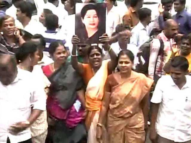 Video : Jayalalithaa Acquitted in Corruption Case, Paving Way for Return to Office