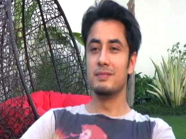 Exclusive: Ali Zafar Sings Urainge, Talks About New Film