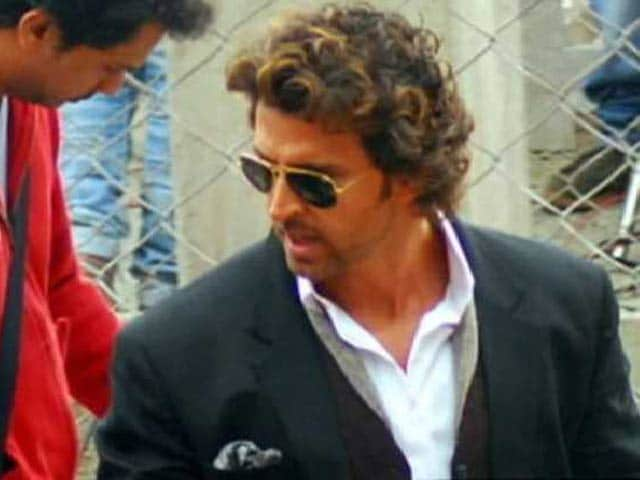 Video : Hrithik Wraps Up Gujarat Shoot of Mohenjo Daro