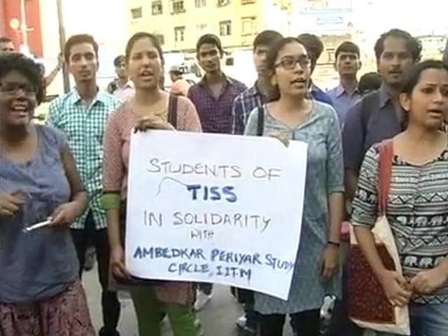 Video : IIT Madras Row: Bombay Students Protest in Solidarity