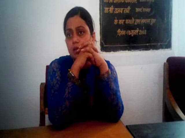 Video : Woman Inspector Attacked Allegedly by Sand Mafia in Madhya Pradesh