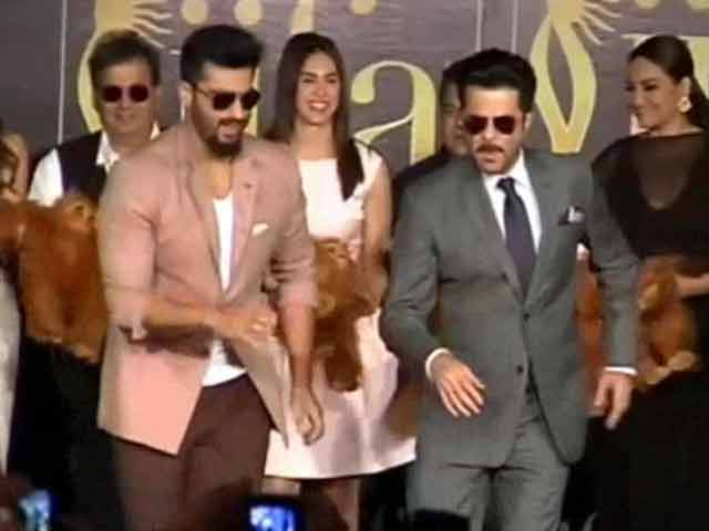 At IIFA, Arjun and Anil Kapoor Steal the Show