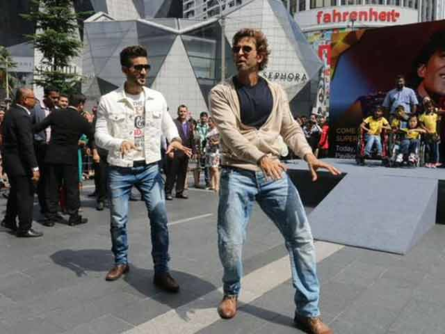 Video : Hrithik Roshan's Street Dance for IIFA