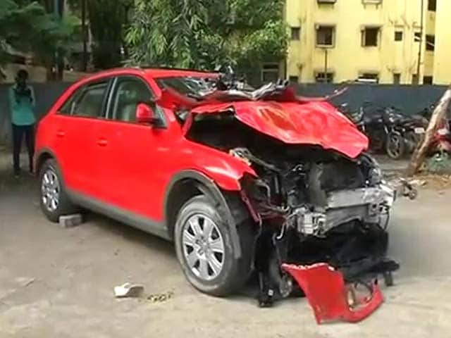 Video : Mumbai Woman Who Rammed Audi Into Taxi May Have Driven 11 km on Wrong Side of Road: Police