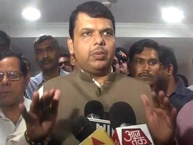 Video : Mumbai Rains: Maharashtra Chief Minister Devendra Fadnavis Promises Advisories Every 2 Hours