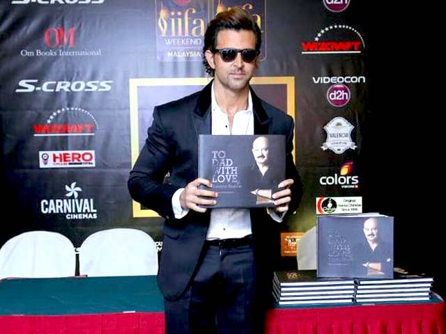 At IIFA, Hrithik Roshan Launched Sister's Book